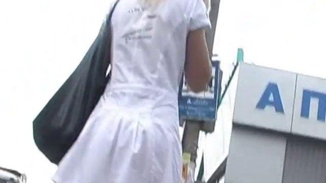 elle na pas de culotte 01 640x360 - Cette femme n'a pas de culotte