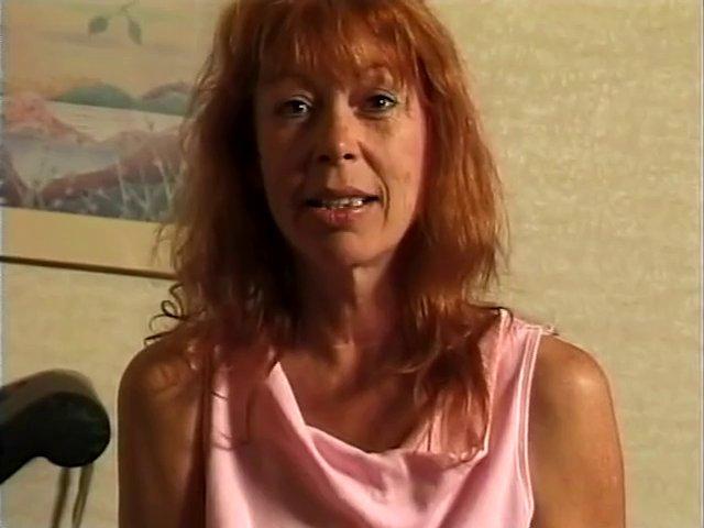 Grosse sodomie pour femme rousse devant sa webcam