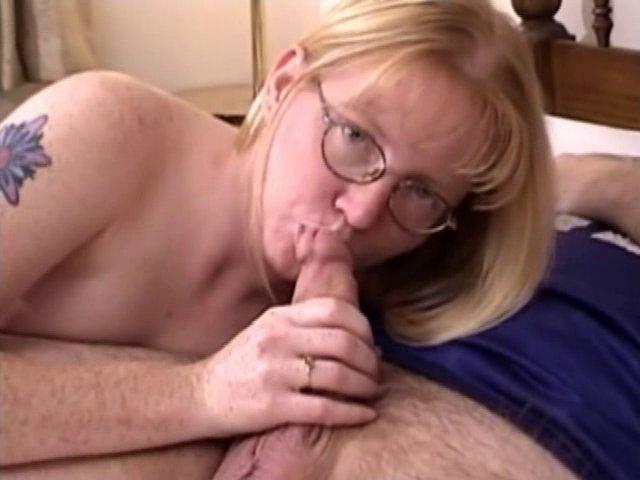 Femme à lunettes, femmes à quéquette